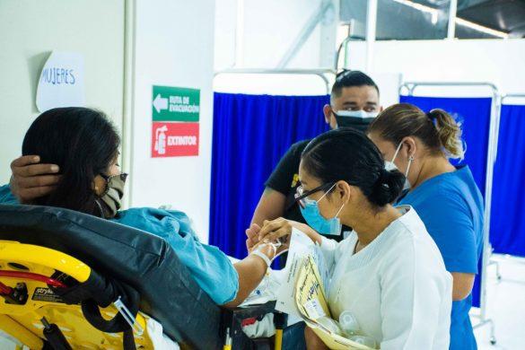 Pacientes-en-Chetumal1-585x390-1.jpg