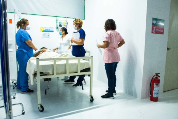 Pacientes-en-Chetumal3-585x390-1.jpg